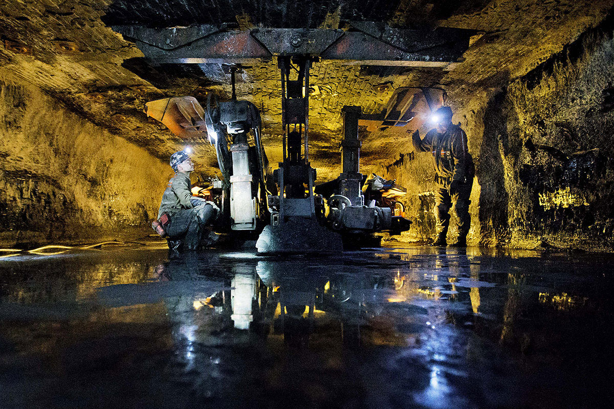 coal s crisis associated press interactive there s a reluctant realization that this is different says keith burdette west virginia s commerce secretary and head of the state s economic